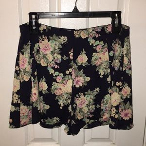 Flowers summer shorts
